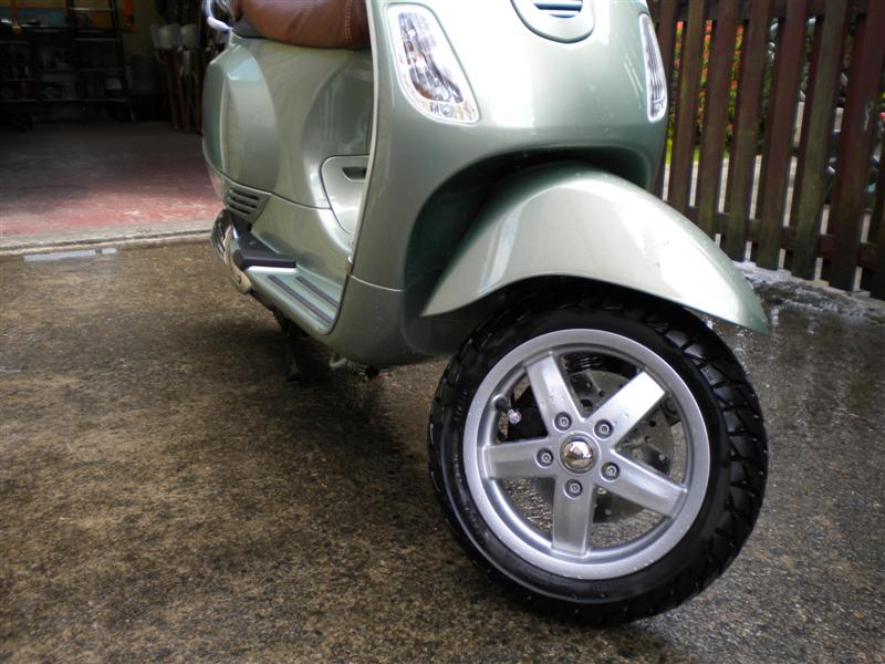 Scoot 012 (Medium).jpg