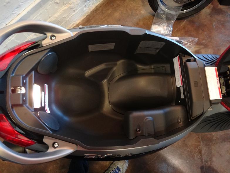 modern vespa : piaggio bv 350 is here!!!!!!!!!!!!!!!!!!!!!! (more