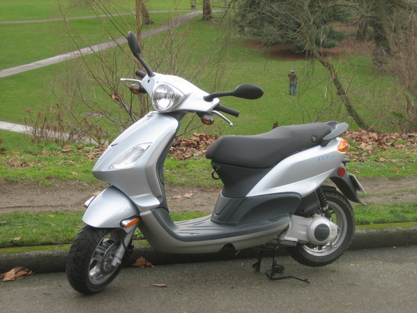 Piaggio Fly 50 & 150   Motor Scooter Guide