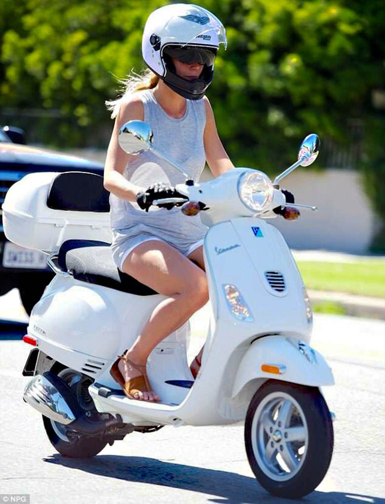 modern vespa your new daily respectable clothed scooter girls. Black Bedroom Furniture Sets. Home Design Ideas