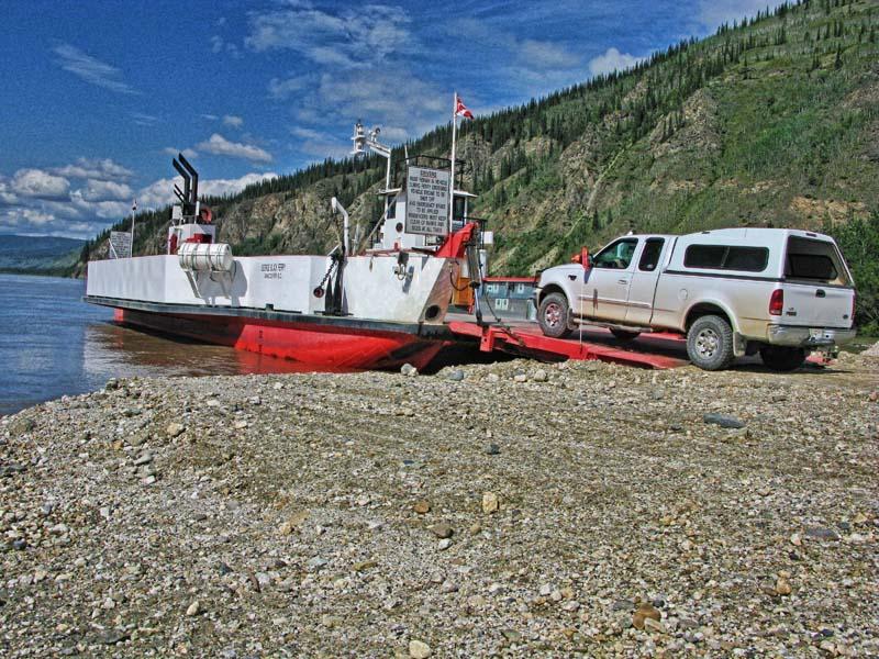 Dawson_City_Ferry_10.jpg