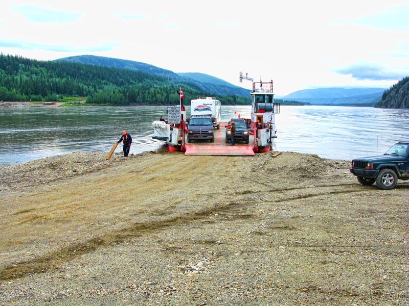 Dawson_City_Ferry_7.jpg