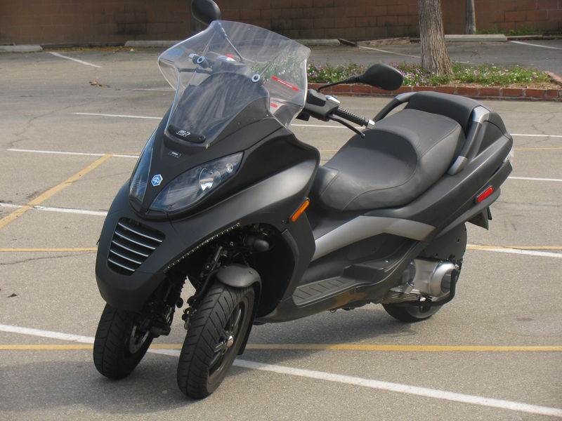modern vespa : 2007 piaggio mp3 250 for sale in inland empire ca