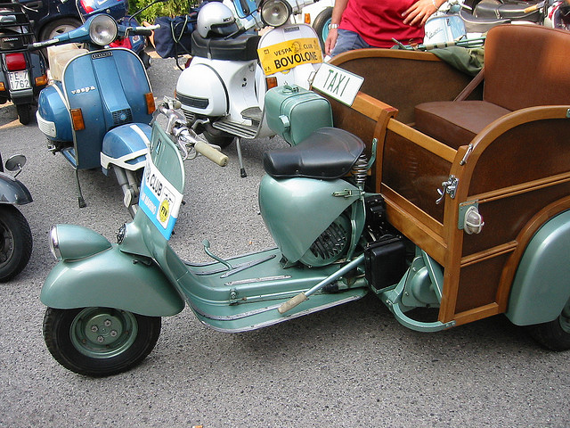 vespa on pinterest vespas scooters and vintage vespa. Black Bedroom Furniture Sets. Home Design Ideas