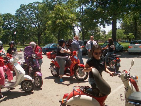 Hooters on Scooters group shot 2.jpg