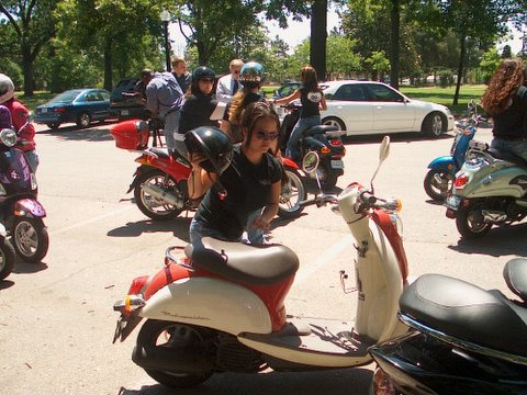 Hooters on Scooters Pic.jpg