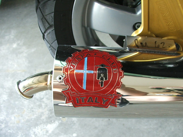 Tail pipe badge 001.jpg