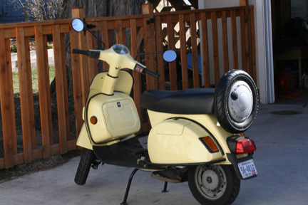 modern vespa 2002 bajaj chetak scooter for sale st paul mn. Black Bedroom Furniture Sets. Home Design Ideas