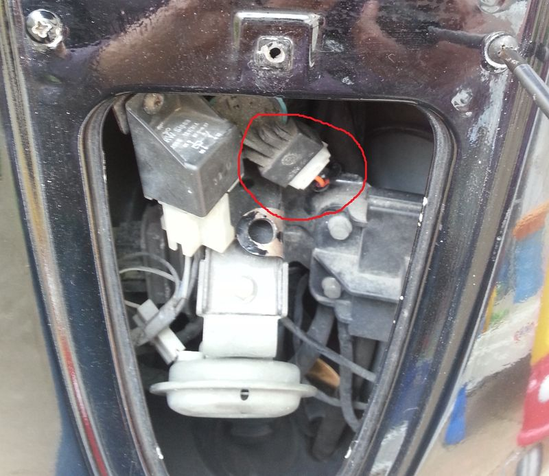 modern vespa   damaged et4 wiring after theft