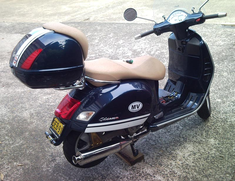 modern vespa gts 250ie pm tuning pm68 pipe installed. Black Bedroom Furniture Sets. Home Design Ideas