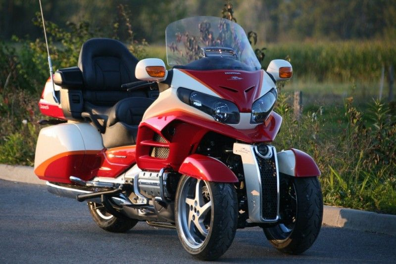 Modern Vespa : 3 wheels hybrid Honda : Fact or Fiction