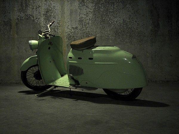 Manurhin-Scooter-03.jpg