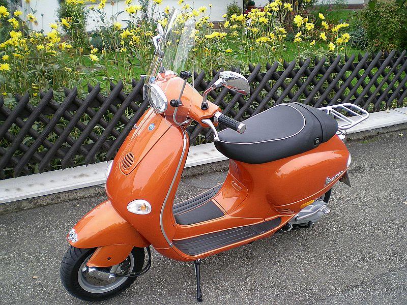 Vespa125-1maxi.jpg