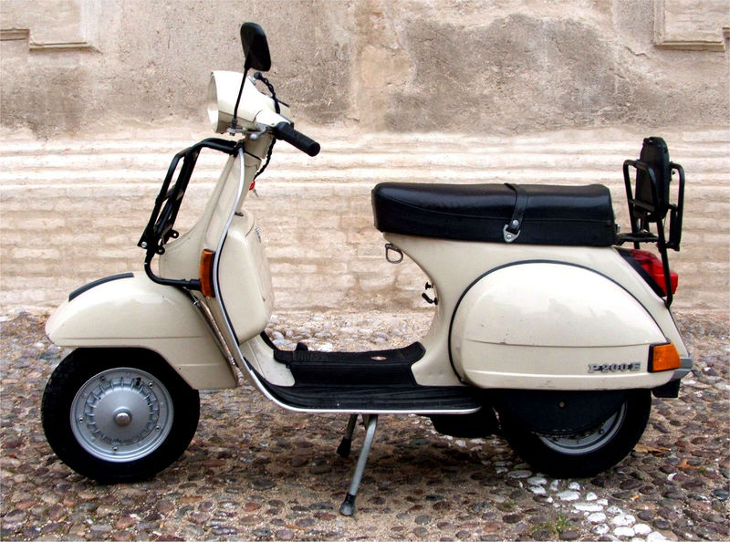 modern vespa going to extremes ordered a 2014 stella 125 automatic. Black Bedroom Furniture Sets. Home Design Ideas