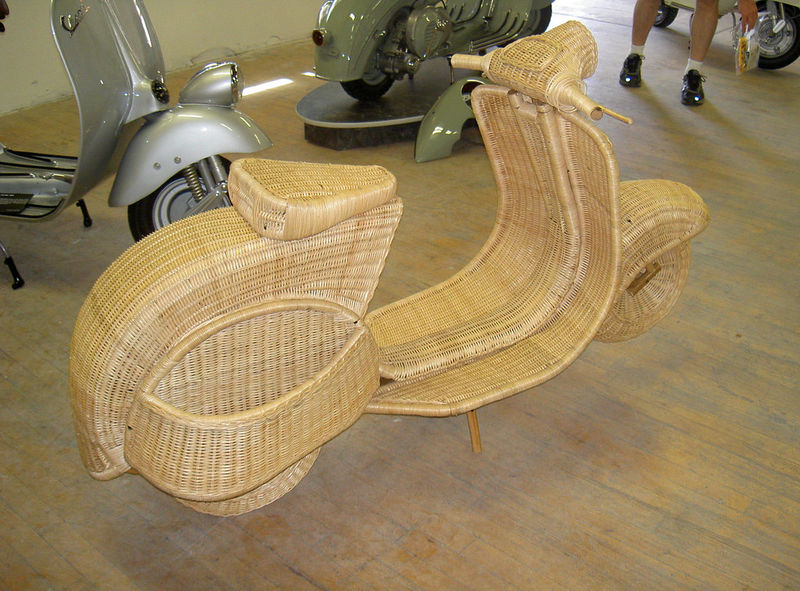 wicker vespa1.jpg
