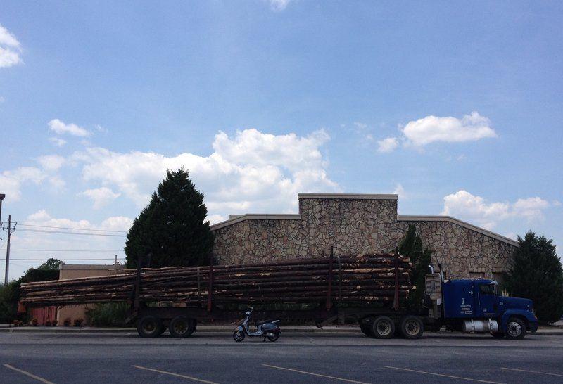 Loggingtruck08162014.jpg