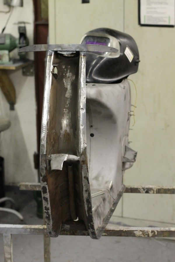 worb5-Sheet-metal-work-Vespa-Lambretta-21-Haltbestrebe-Leg-plate-thicker-finished-1.JPG