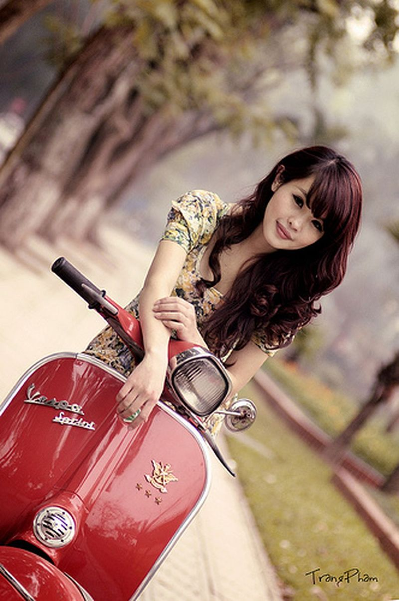 scooter-girl-vespas-30.jpg