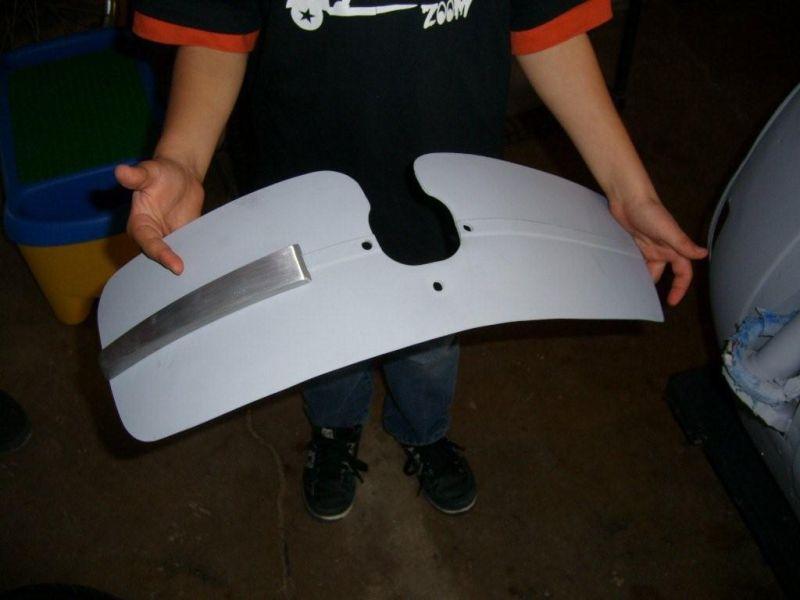Modern Vespa : Replacing front fender P200