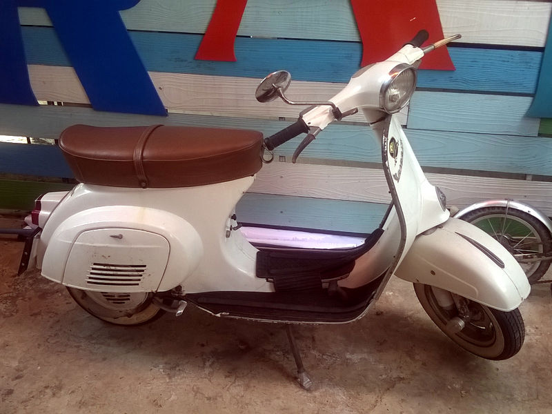 Modern Vespa : Scooters in Thailand