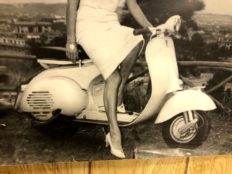 vespa photo closup.jpg