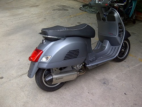 modern vespa my new gts 300 super. Black Bedroom Furniture Sets. Home Design Ideas
