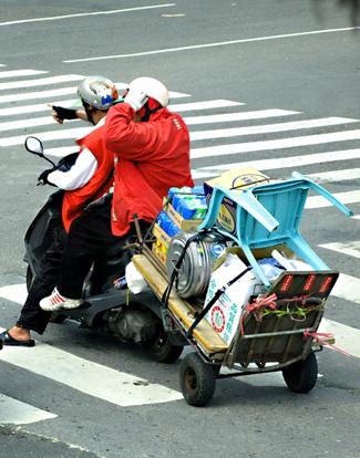 scooter-_-trailer-la-splash_001.jpg