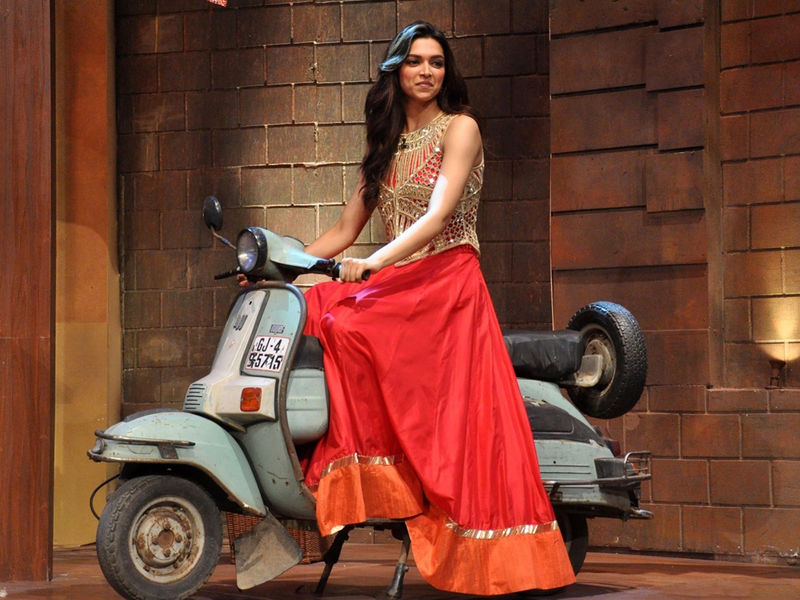 Deepika-Padukone-in-Comedy-Nights-with-Kapil.jpg