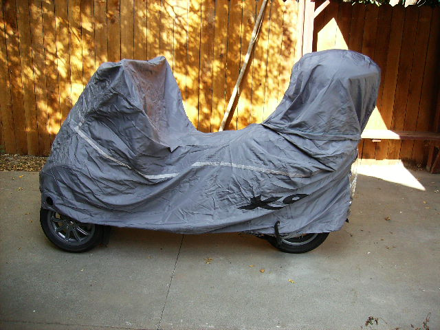 modern vespa : q: what size scooter cover?
