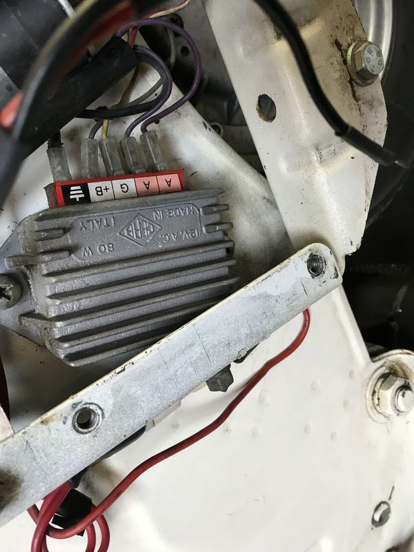 Modern Vespa   1980 P200e Battery Not Charging