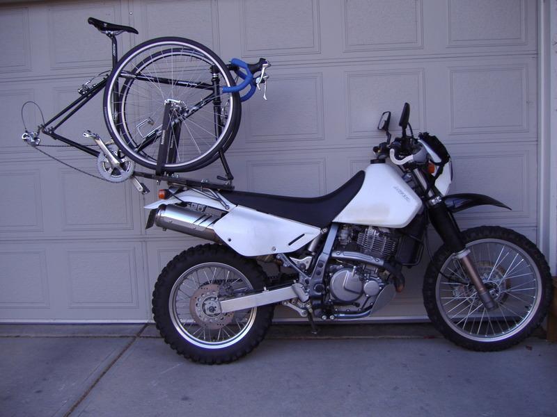 Modern Vespa Carry A Bike