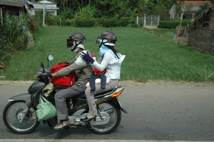 Middle passenger has a helmet.jpg