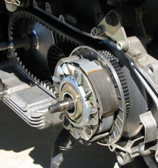 29 Re-Assembly Belt on driven pulley w-washer.JPG