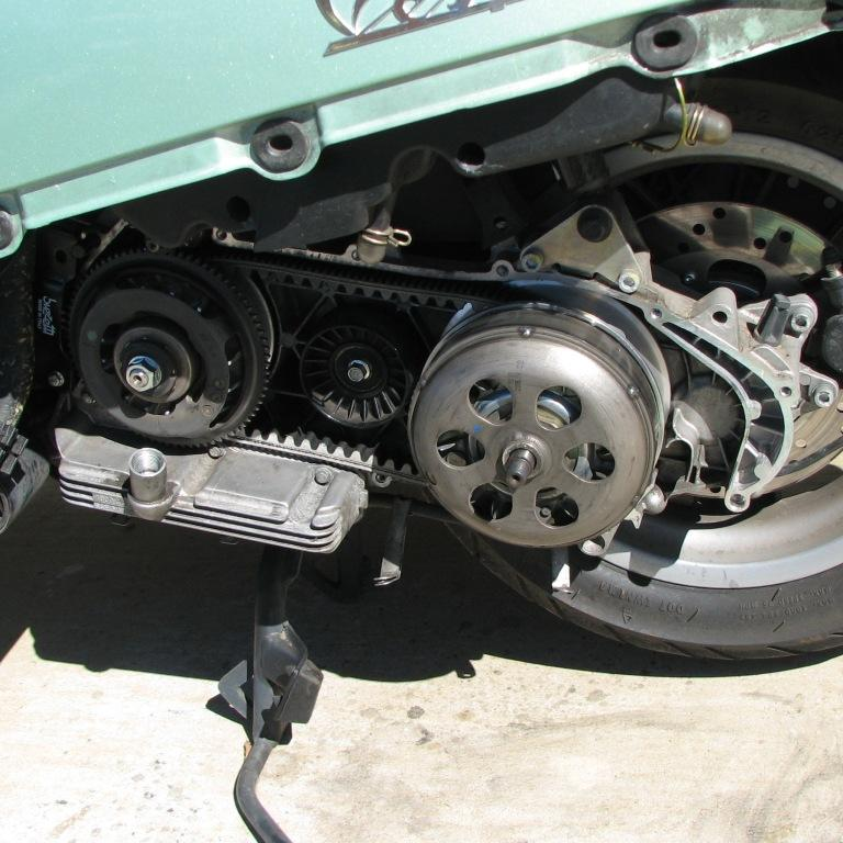 36 Re-Assembly clutch bell.JPG