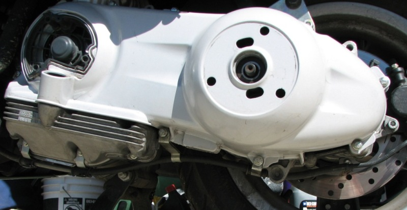39 Re-Assembly CVT housing.JPG