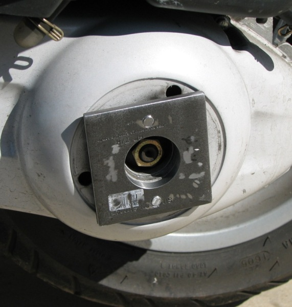 washer and bolts on scoot.JPG
