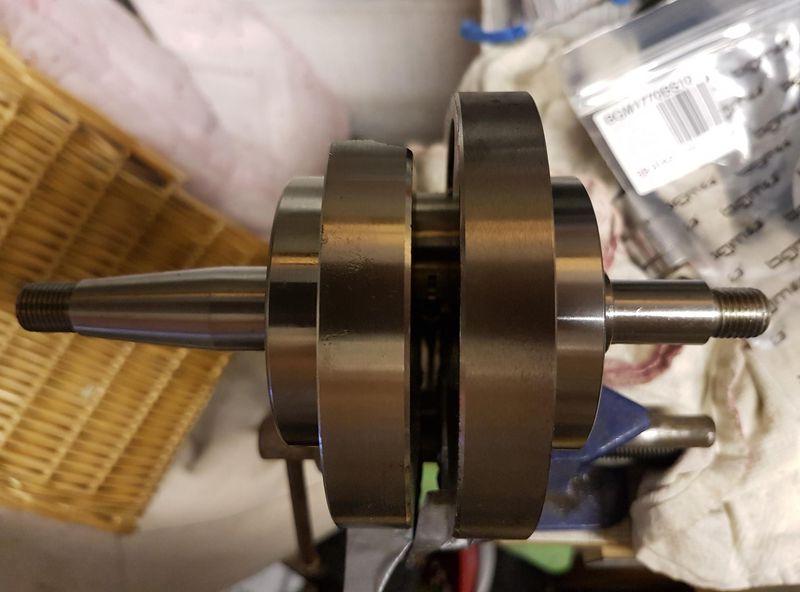 crank + bearings.jpg