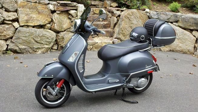 modern vespa wanted gts 300 titanium topcase. Black Bedroom Furniture Sets. Home Design Ideas