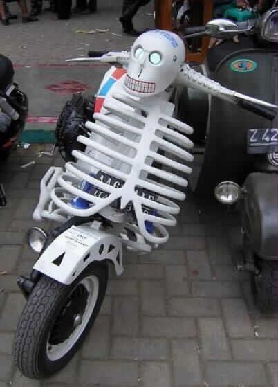 41c8d033ea6456d314d52a9e1bad9a40--candy-skulls-vespa-scooters.jpg