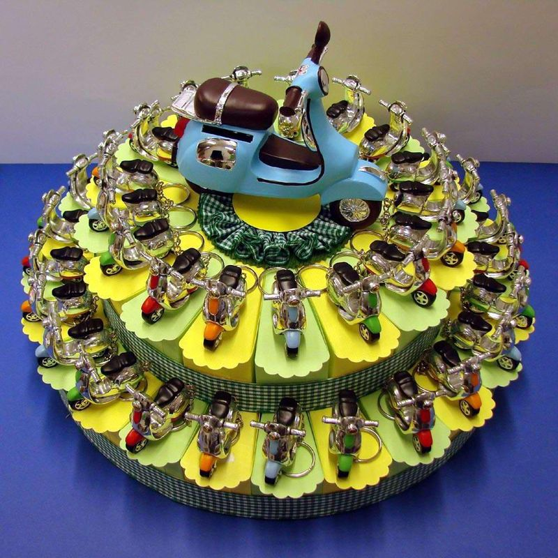 Modern Vespa : Happy Birthday Vespa....and me!!