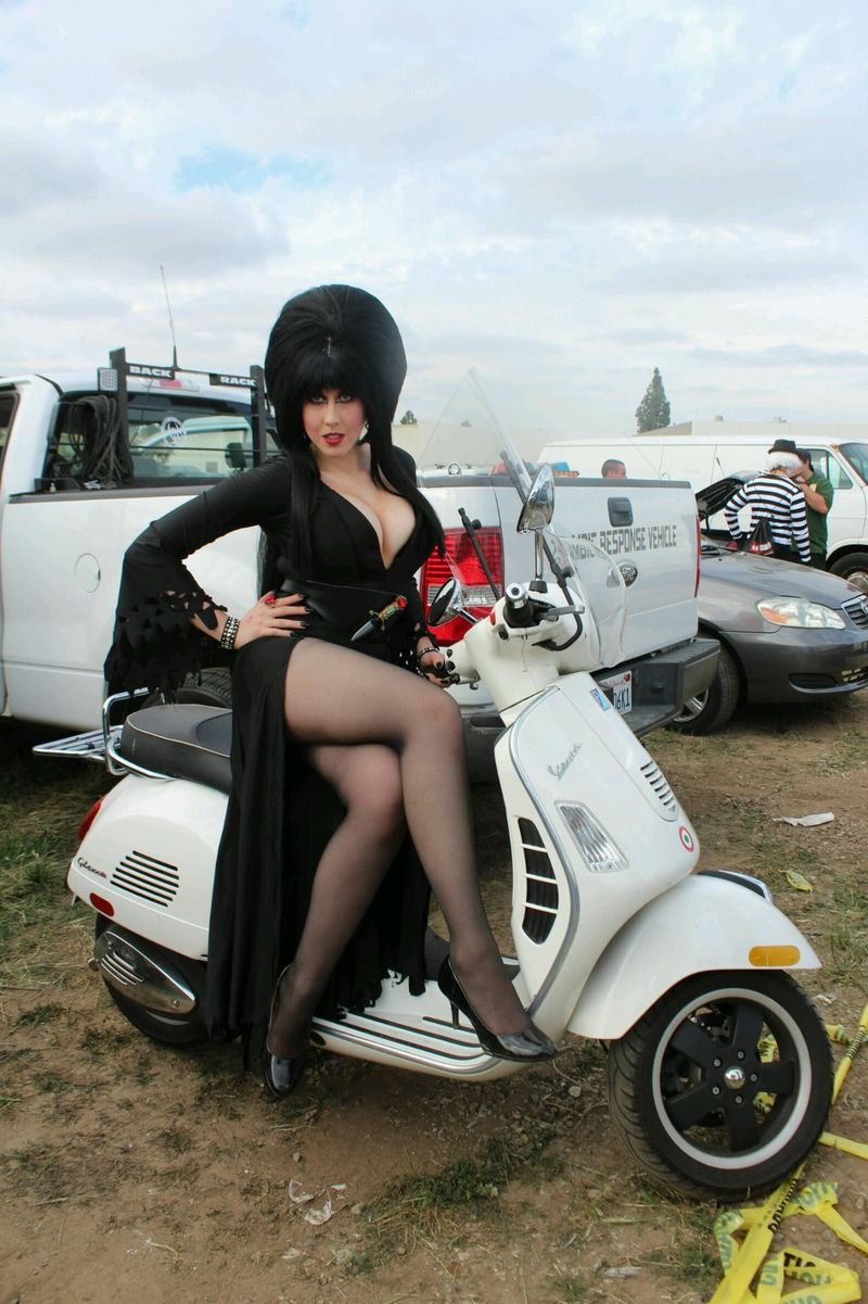 Pin by Goggles Paesano on vespa_women in 2020 | Scooter