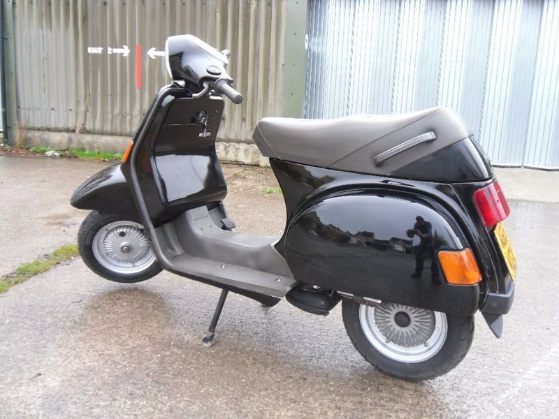 modern vespa my old scooter. Black Bedroom Furniture Sets. Home Design Ideas