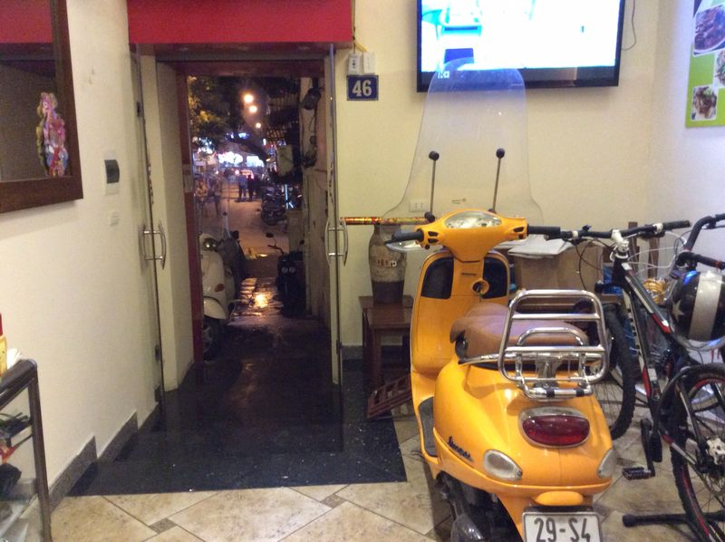 Modern vespa this is my vepsa in hermes colour - Appartement renove hanoi hung manh tran ...