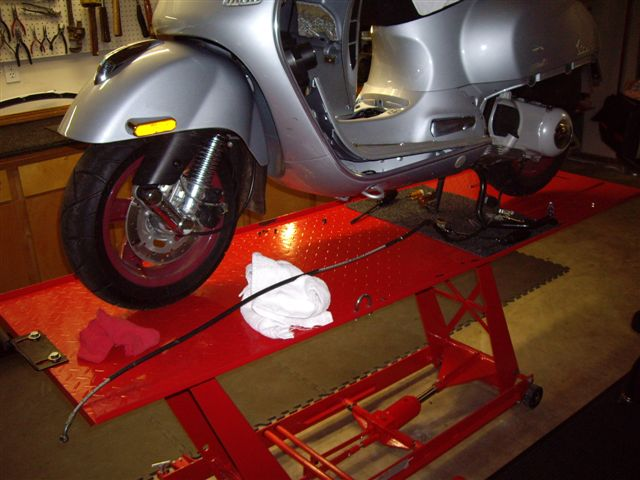 Modern vespa motorcycle floor jacks Wheelchair lift motor