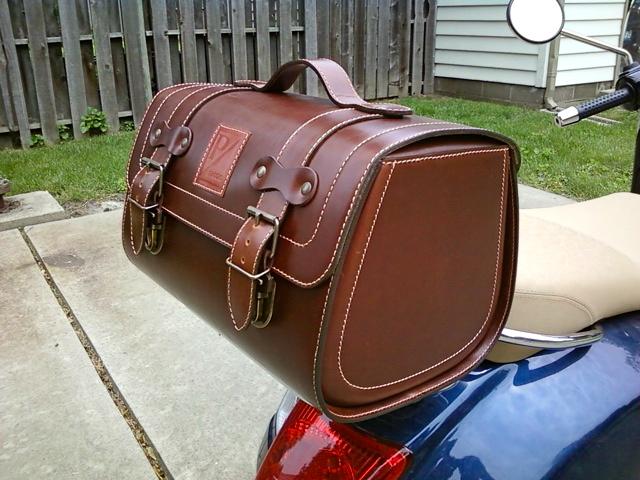 Modern Vespa Vespa Ape Modern Vespa : New Piaggio Roll Bag