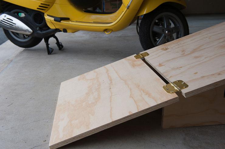 Vespa-Table-003.jpg