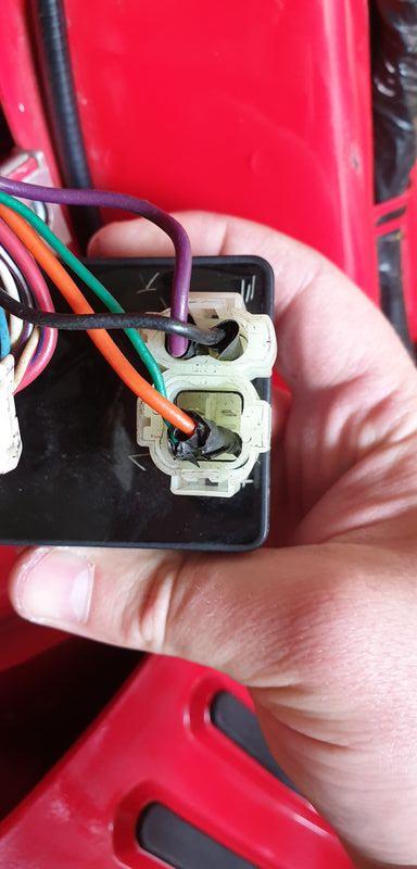 Modern Vespa   Vespa Lx 150 Cdi Plug Problem