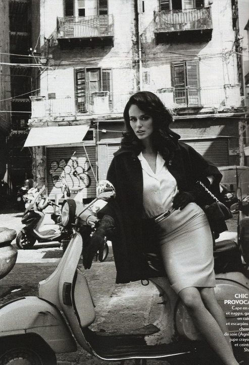 This Italian It Girl Is Your New Style Muse: Modern Vespa : Your New Daily Respectable, Clothed Scooter
