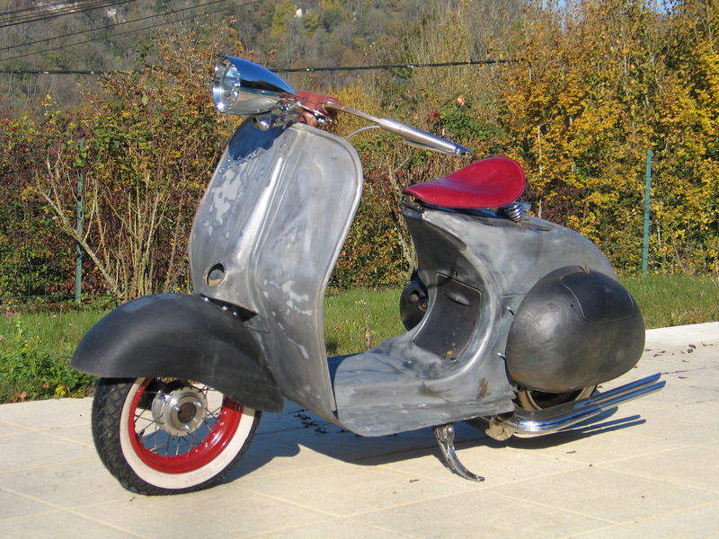 Modern vespa need idea 39 s on custom paint for Garage scooter nice